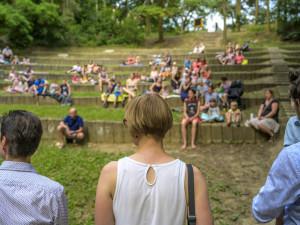 Přírodní amfiteátr v Čertově rokli prokoukl, nápad uspěl v participativním rozpočtu Brna