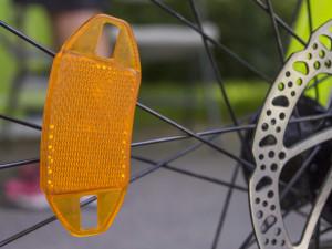 Cyklistova vyjížďka skončila v Blansku. Se čtyřmi promile se válel u zastávky