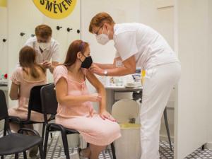 V očkovacím centru v Olympii dostalo vakcínu přes 16 tisíc lidí