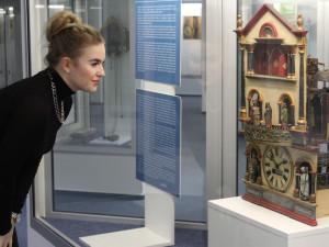 Technické muzeum ukazuje rozsáhlou sbírku hodinek a časostrojů