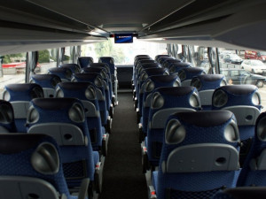 Místo vlaků pojedou mezi Brnem a Nezamyslicemi dva týdny autobusy
