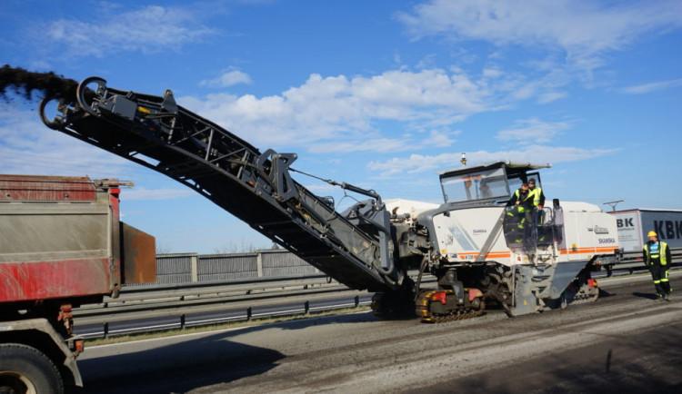 Řidiče potrápí nové omezení na D52 ve směru na Brno