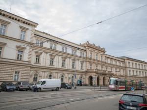 Nemocnice v Brně podává trestní oznámení na firmu kvůli zneužití razítka