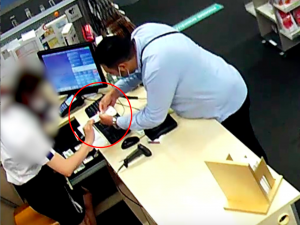 Cizinec okradl brněnskou prodavačku, pomohl si šikovným trikem