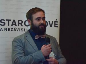 Piráty vytlačil ze Sněmovny vášnivý včelař, který je nejmladším jihomoravským poslancem