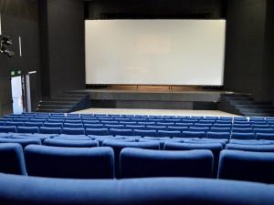 Vyškov zmodernizoval kinosál, opravy prodloužily následky tornáda