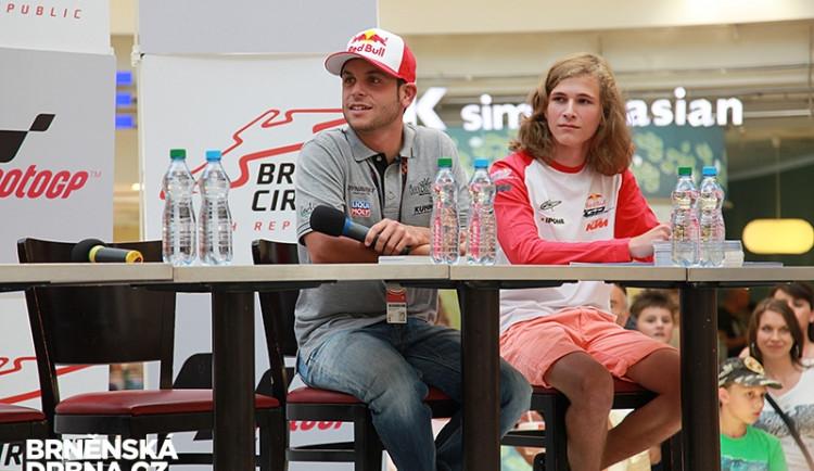 Jezdci MotoGP se zúčastnili autogramiády ve Vaňkovce