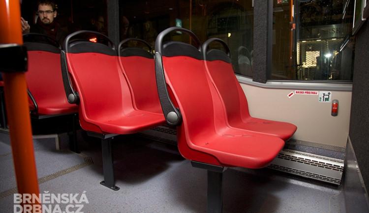 Brněnský dopravní podnik testuje nové typy sedadel