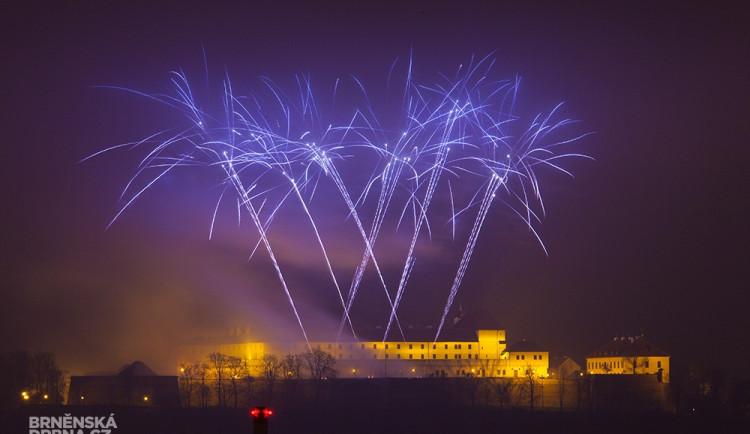 Tradičním ohňostrojem Brno přivítalo rok 2014