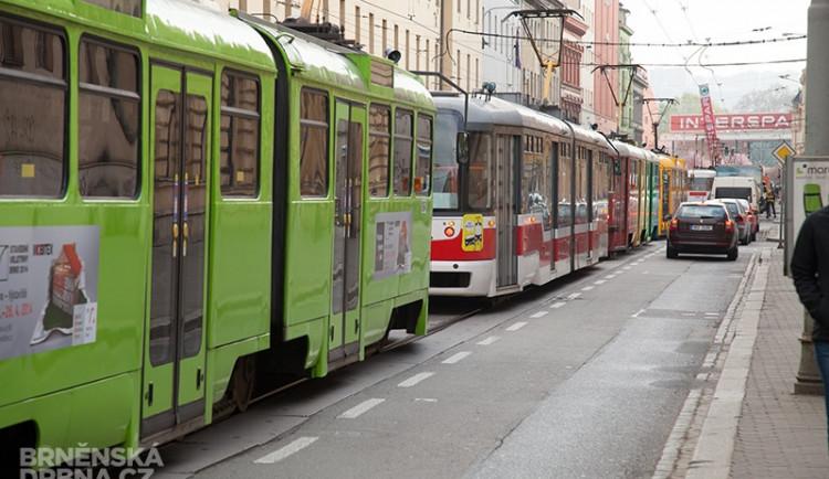 Ranní nehoda na Cejlu - muž se střetnul s tramvají