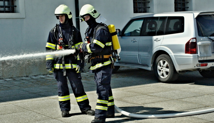 Hasiči nacvičovali likvidaci plamenů na Špilberku