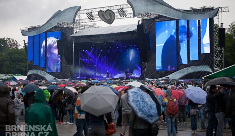 Brněnský Majáles zkropil déšť