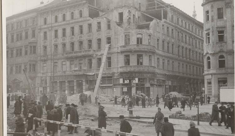 Výstava na Špilberku připomene výročí bombardování Brna