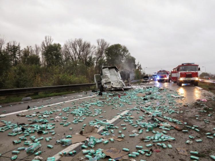 Na D2 u Brna se srazilo devět aut, zraněno je sedm lidí