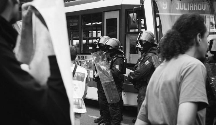 Demonstrace na Moravském náměstí