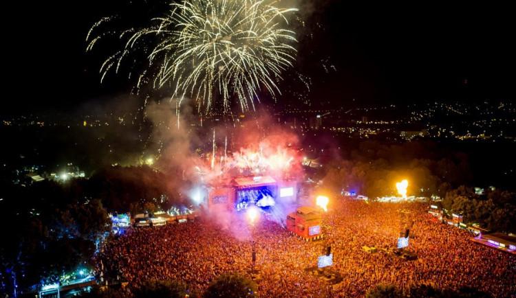 Fotogalerie: Festival barev, zážitků, rozmanitosti a zvučných jmen. Sziget 2016
