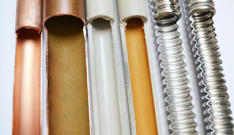 Kvalifikovaný instalatér nedostatkovým zbožím - kdo připojí kotle u kotlíkové dotace?