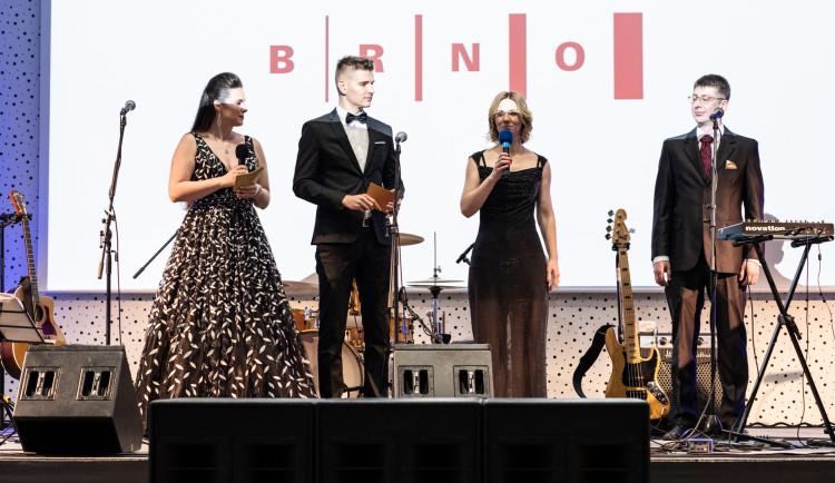 Ples pro Fenix 2019, autor: Veronika Kovářová, Matěj Kameník