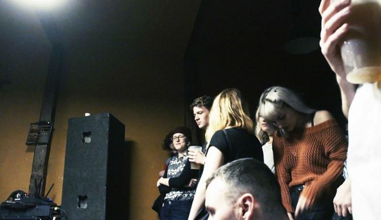 """Vyhořelá"" kapela Acute Dose křtila desku v klubu Mýdlo, autor Radim Dibdiak"