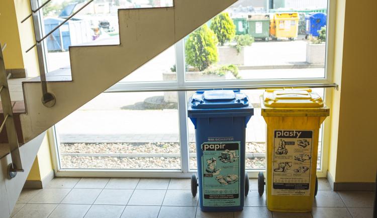 Tam, kde končí odpadky. Reportáž z vyškovské třídírny Respono, autor: Tomáš Valnoha