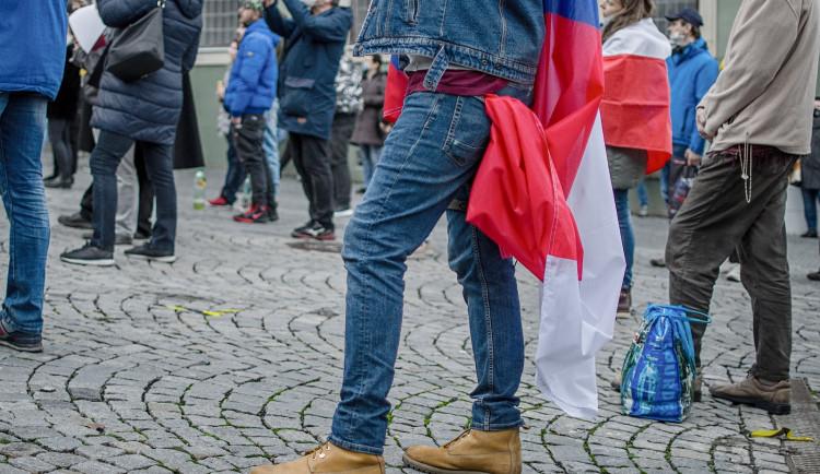 Demonstrace za zrušení opatření proti koronaviru, Zelný trh, 17. listopadu 2020. autor: Petr Bezděk